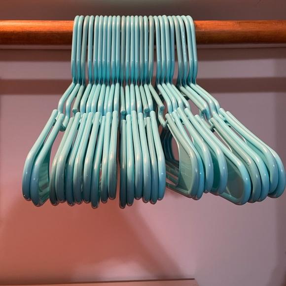 25 Blue Hangers